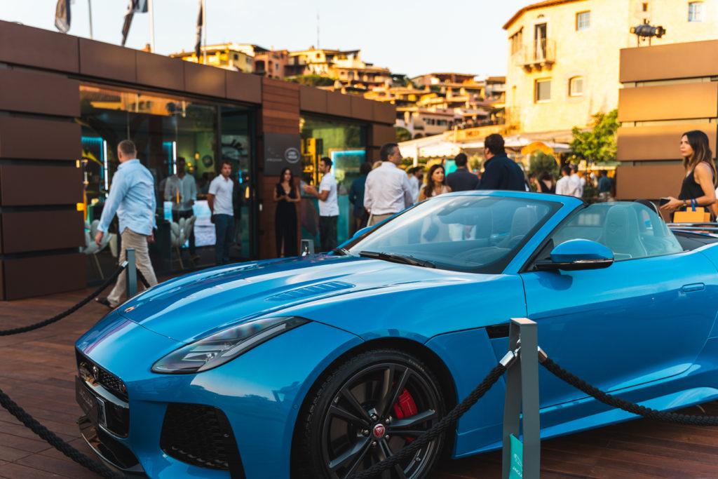 Jaguar Land Rover Summer Lounge a Porto Cervo con Le Sirene di Forme d'Acqua