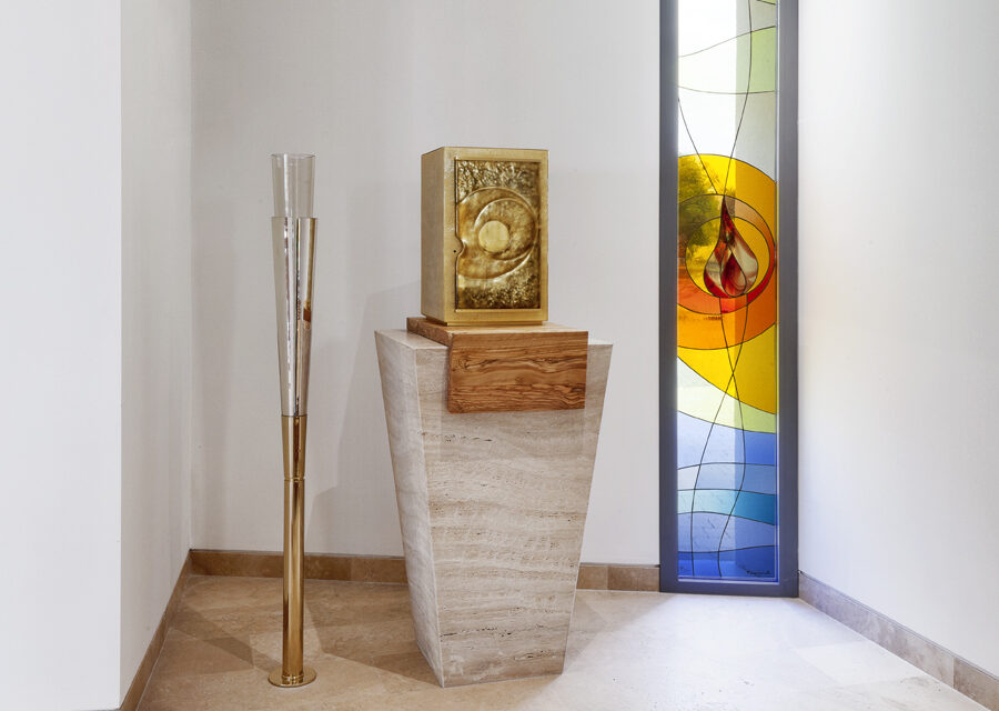 FavrinDesign-Capitana-Mar-interni-aula-chiesa-jesolo-cappella-tabernacolo