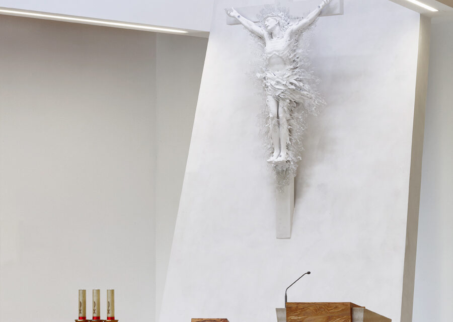 FavrinDesign-Capitana-Mar-interni-aula-chiesa-jesolo-fuochi-liturgici