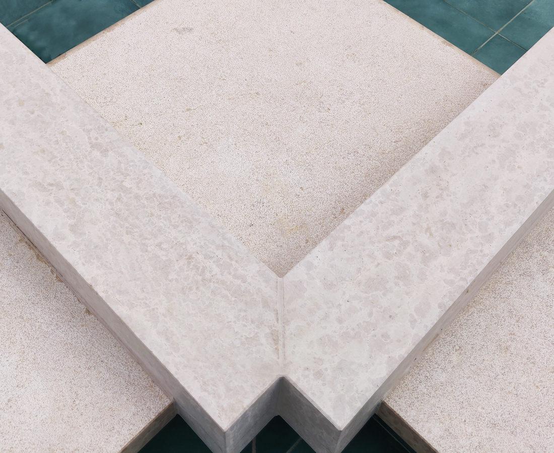 FavrinDesign-fontane-Erbil-Empire-World-design-pietra-Istria
