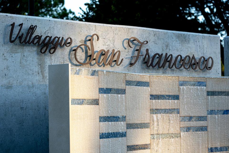 FavrinDesign-San-Francesco_fontana-insegna-corten